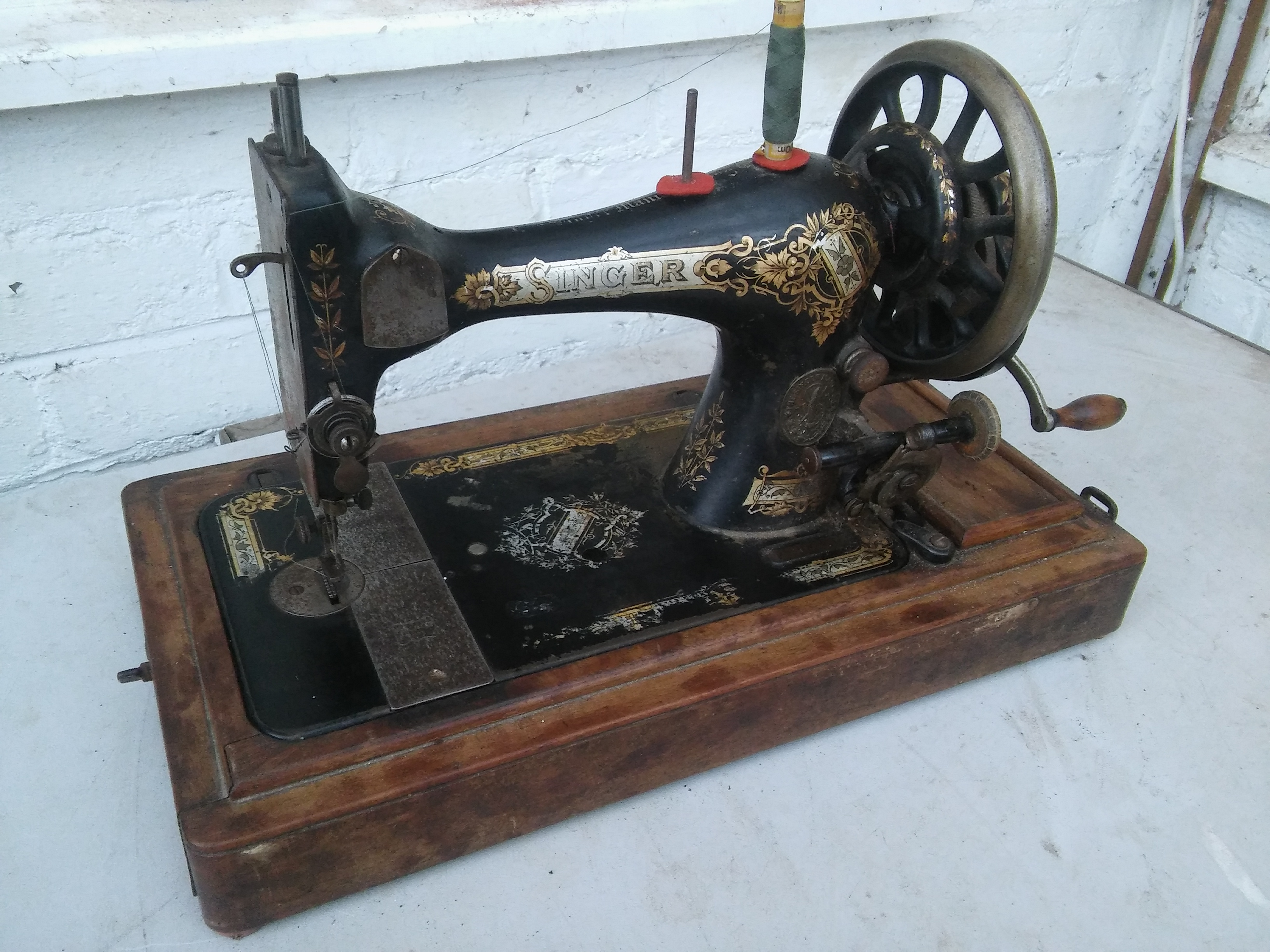 Quite a number of our fixers own vintage sewing machines. Here's one thatw as rescued by Andy and repaired a few months ago.